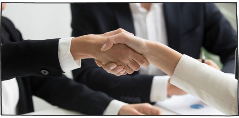 همکاری تیم فروش و خدمات مشتری