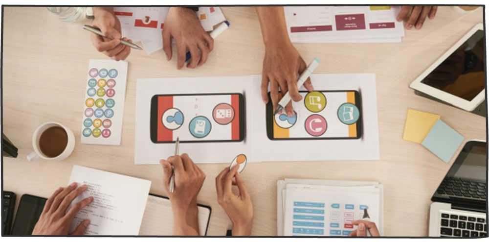 فعالیت در شبکههای اجتماعی و افزایش مشتری